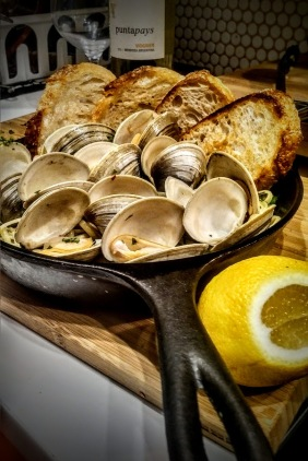 Pasta vongole with grilled sourdough bread